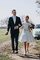 Šaty - Svadobné šaty s vyšívaným bylinkovým opaskom - 11257855_