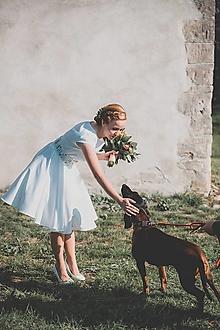 Šaty - Svadobné šaty s vyšívaným bylinkovým opaskom - 11257853_