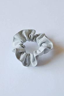 Ozdoby do vlasov - Scrunchie gumička sivá - 11255321_