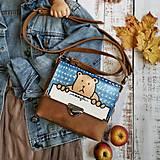 Kabelky - Kožená kabelka (ručne maľovaná Macko) - 11255223_