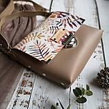 Kabelky - Kožená kabelka (ručne maľovaná Listy) - 11255259_