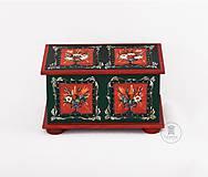 Nábytok - Ručne maľovaná truhlica z Litomyšlska - 11255652_