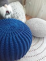Úžitkový textil - Háčkovaný PUF kráľovská modrá - 11255037_