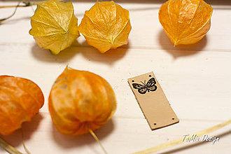 """Drobnosti - Kožený štítok """"motýlik"""" s ohybom (v hornej časti) - 11255066_"""