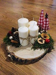 Dekorácie - Adventný veniec na drevenom podnose - 11255256_