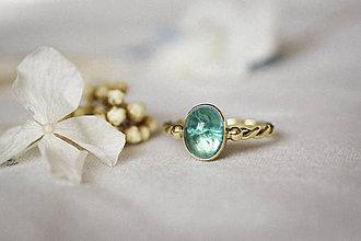Prstene - Zlatý filigránový prsteň - Splynutie (Apatit) - 11260253_