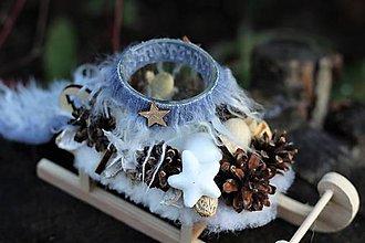 Dekorácie - Vianočný svietnik- sánky - 11260790_