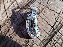 Náhrdelníky - orlie pierko II - 11258707_