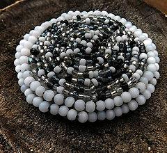 Odznaky/Brošne - plstená korálková brož black and white - 11259761_