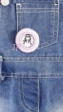Odznaky/Brošne - Brošnička dievčatko gorjuss - 11261437_