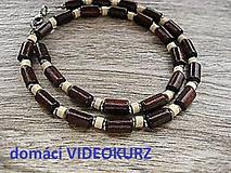 Kurzy - Domáci VIDEOKURZ aj s materiálom - vyrob si pánsky drevený náhrdelník - 11259360_