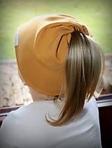 Detské čiapky - Čiapka s otvorom na cop - 11262954_