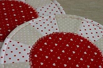 Úžitkový textil - prestierania so srdiečkami - 11260975_