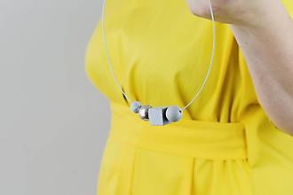 Náhrdelníky - Betónový náhrdelník - Silver point - 11264187_