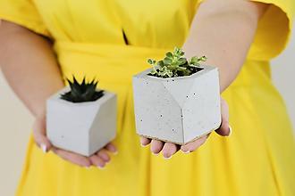 Nádoby - Betónový kvetináč Cube (S - šedý) - 11264205_