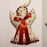 Dekorácie - Vianočná ozdôbka Vianočný Anjelik vysoký až 14 cm - 11267581_