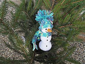 Hračky - Háčkovaný snehuliačik s čiapkou a šálom - 11266804_