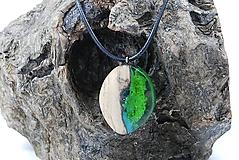 Náhrdelníky - Kvapka rosy- Drevený náhrdelník - 11264224_