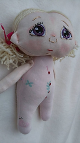 Hračky - Malá bábika - 11267413_