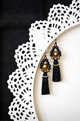 Náušnice - Čierno-zlaté strapcové náušnice / tassel earrings - 11265527_