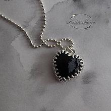 Náhrdelníky - prívesok srdce - obsidián z kolekcie MONOCHROM - 11265181_