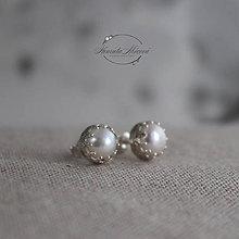 Náušnice - napichovacie náušnice - perly MONOCHROM (biele perly) - 11265236_