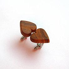 Šperky - Drevené manžetové gombíky - hruškové srdiečka - 11267159_