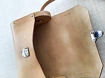 Kabelky - Minimalistická koženo-drevená kabelka - 11271433_