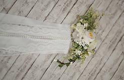 Ozdoby do vlasov - Set svadobná biela spona s hrebienkom zameniteľným za tradičný závoj - 11271520_
