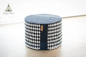 Úžitkový textil - Sedací pufík z molitanu (Černo-bílé kosočtverce) - 11268404_