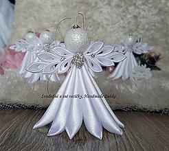 Dekorácie - Vianočná ozdoba anjelik - strieborný (Biela) - 11268852_
