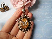 Sady šperkov - Šedý motýľ - 11270047_