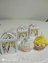 Darčeky pre svadobčanov - Darčeková krabička - biela perleť - 11271624_