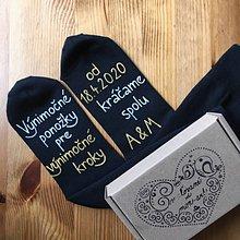 Obuv - Maľované ponožky pre ženícha (Kráčame spolu) - 11268261_
