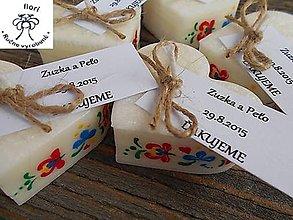 Darčeky pre svadobčanov - srdiečko folklór s kartičkou - 11270497_