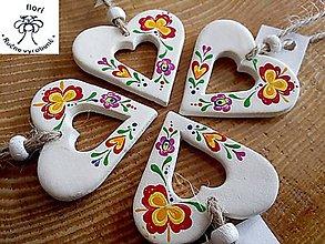 Dekorácie - Srdiečko s korálkou/ornament - 11270518_