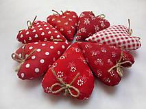 Darčeky pre svadobčanov - Levanduľové srdiečká - 11269632_
