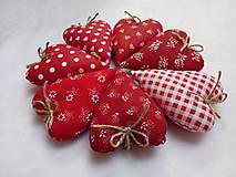 Darčeky pre svadobčanov - Levanduľové srdiečká - 11269638_