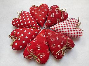 Darčeky pre svadobčanov - Levanduľové srdiečká - 11269640_