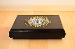 Krabičky - Maľovaná drevená krabička s mandalou - 11272540_