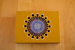 Krabičky - Maľovaná drevená krabička s mandalou - 11272610_