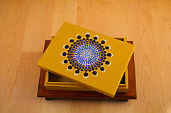 Krabičky - Maľovaná drevená krabička s mandalou - 11272612_
