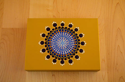 Maľovaná drevená krabička s mandalou