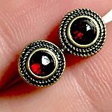 - Garnet Stud Earrings / Náušnice s granátom v starozlatom prevedení - 11272493_
