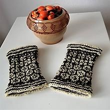 Rukavice - Zápästky tradičný vzor Novohradu -ručne pradená farmárska vlna-predaj od februára 2020, budú vystavené v múzeu - 11274179_