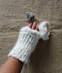 Rukavice - Zápästky nežné- ručne pradená angora zo zajačika- Predaj od februára 2020, budú vystavené v múzeu - 11274218_