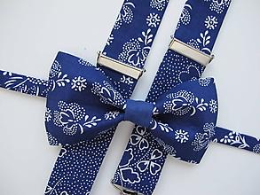 Doplnky - Pánsky motýlik a traky- vzorovaný set v modrom - 11272817_