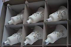 Dekorácie - Biele zvončeky so striebornou dekoráciou - 11273983_