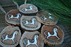 """Dekorácie - vianočná drevená dekorácia """"koník"""" - 11273896_"""