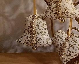 Dekorácie - Vianočné ozdoby (ZVONČEK malý Zlatý vzor MIX) - 11273897_